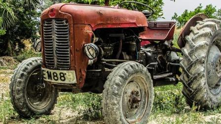 Jasper's farm tractor