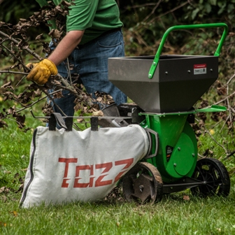 Tazz Wood Chipper Shredder - debris bag included.