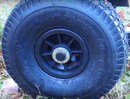 YARDMAX YW7565 - pneumatic, all terrain tires.