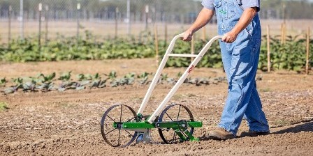 Hoss HGS051 Garden Seeder is the best!