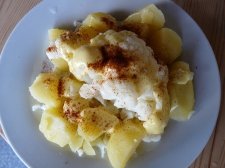 Cauliflower with potatoes.