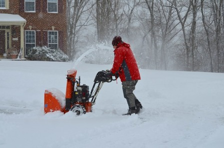 Single-stage gas-powered snow thrower