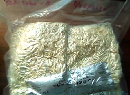 Add Yakisoba sauce packets to freeze dried Yakisoba before vacuum packing.